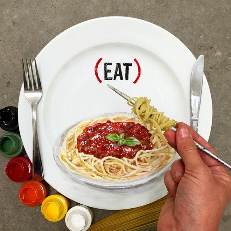 Реалистичные рисунки на тарелках от Жаклин Пуарье