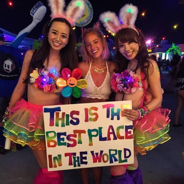 Горячие девушки с музыкального фестиваля Electric Daisy Carnival