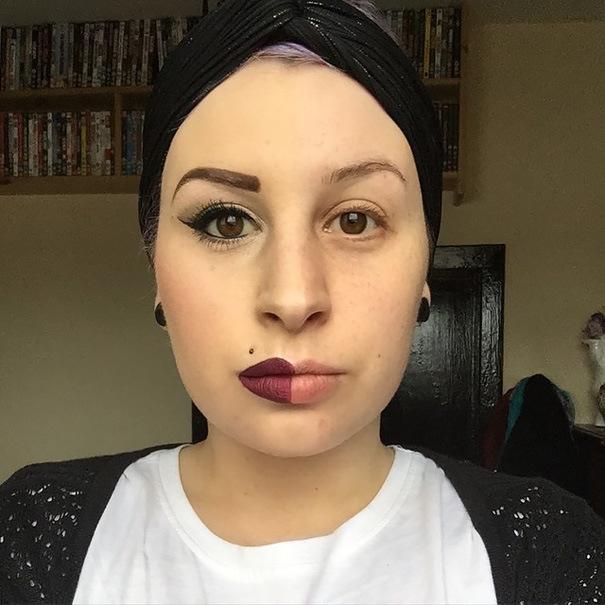 Девушки красят пол-лица, чтобы показать силу макияжа
