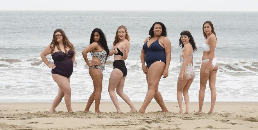 Обычные женщины в купальниках Victoria's Secret