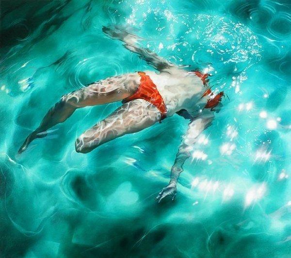 Реалистичные картины людей под водой от Сары Харви