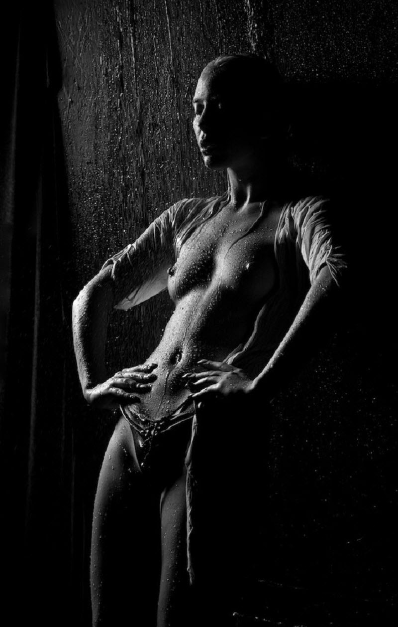 Голые девушки и вода от фотографа Олега Косырева