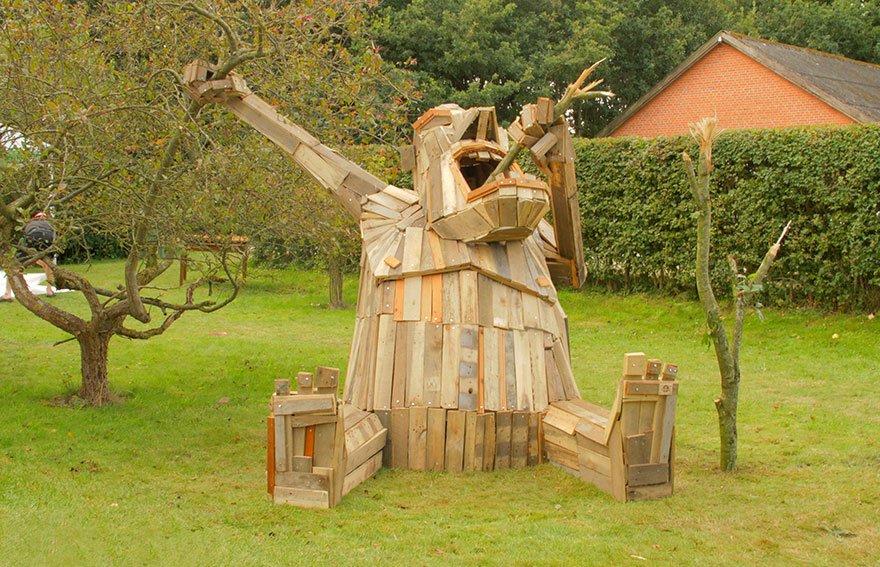 Деревянные скульптуры в Копенгагене от Томаса Дамбо