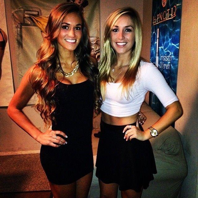 Красивые иностранные девушки-студентки