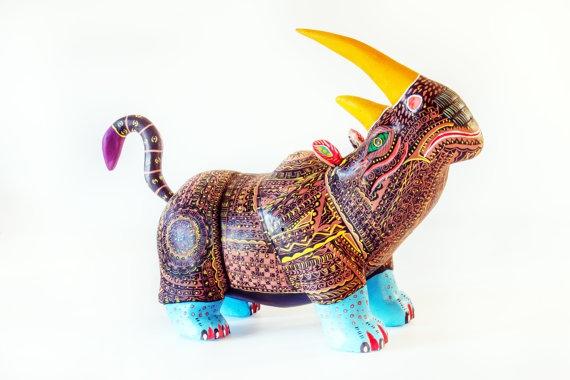 Разноцветные скульптуры из дерева от мексиканских мастеров