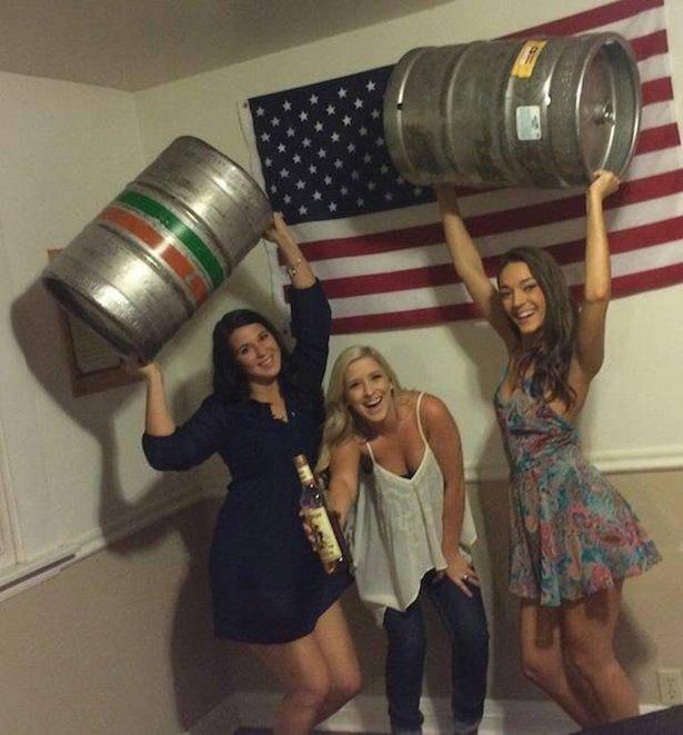 Студенты отрываются на вечеринках