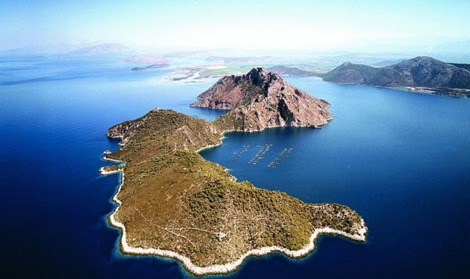 11 греческих островов, которые можно купить прямо сейчас