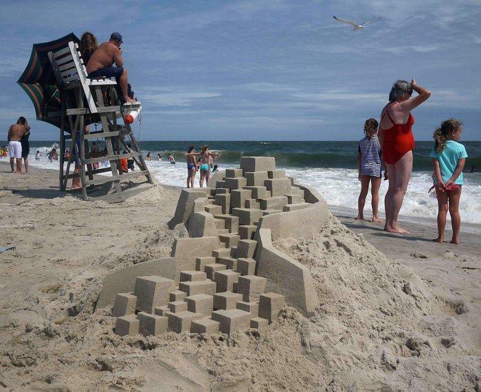 Геометрические скульптуры из песка от Калвина Зиберта