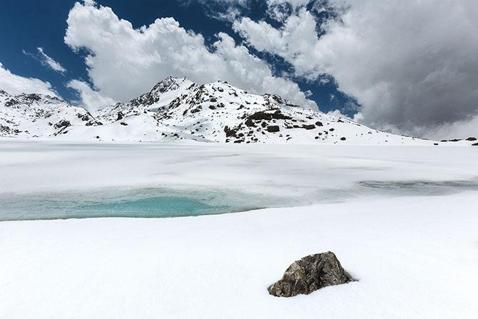 Паломничество Садху к священному озеру Госайкунда