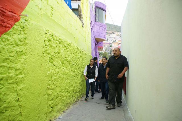 Мексиканские власти попросили уличных художников разукрасить дома