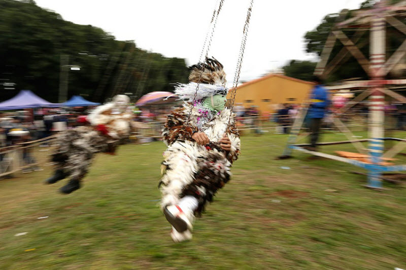 На фестивале перьев в Парагвае