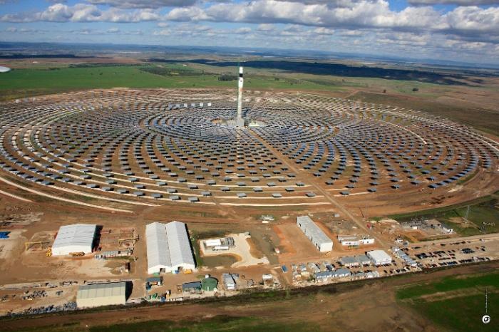 Уникальная солнечная электростанция в Испании