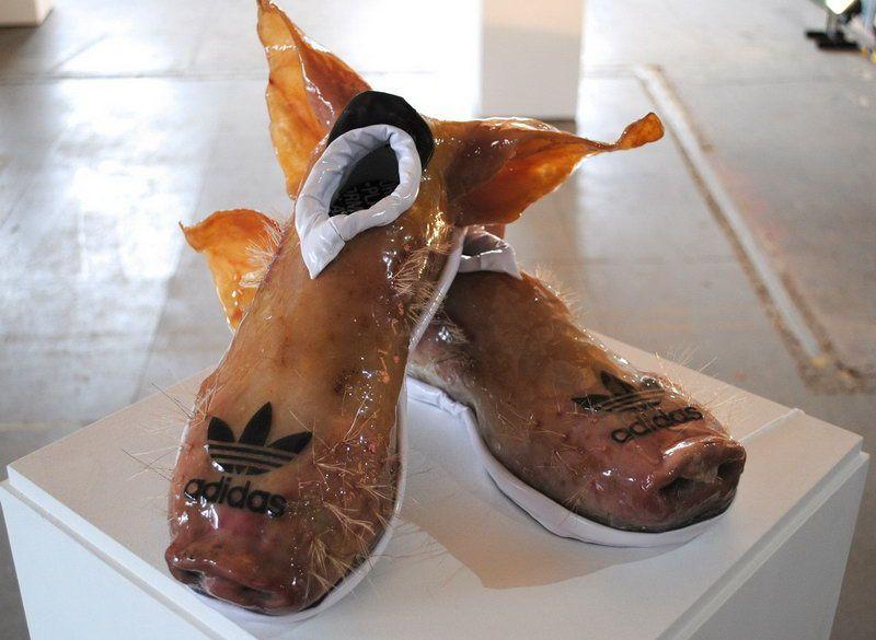 Кроссовки из свиной кожи с ушами и пятаком