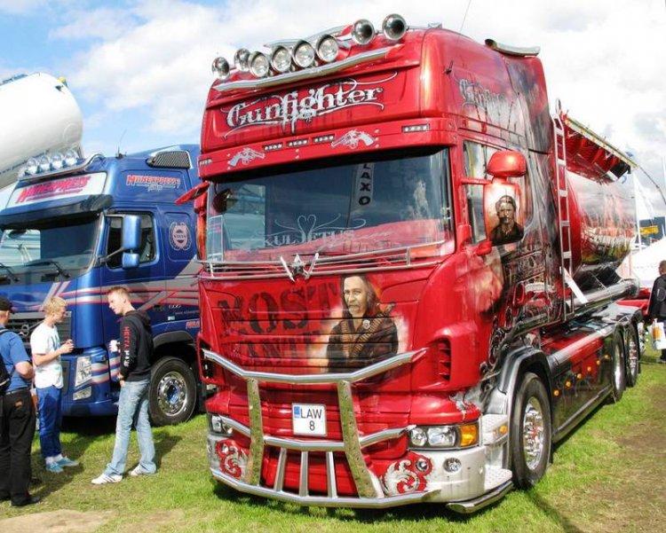 Классная аэрография на грузовиках