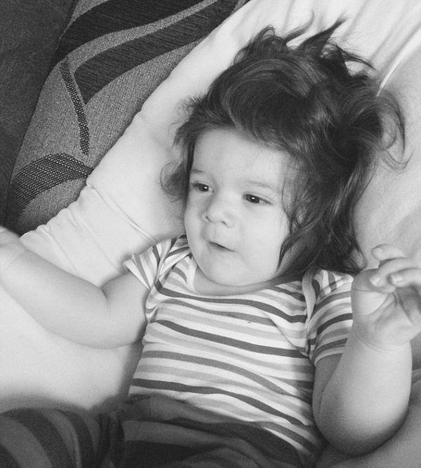 Меленькие детки с густой шевелюрой