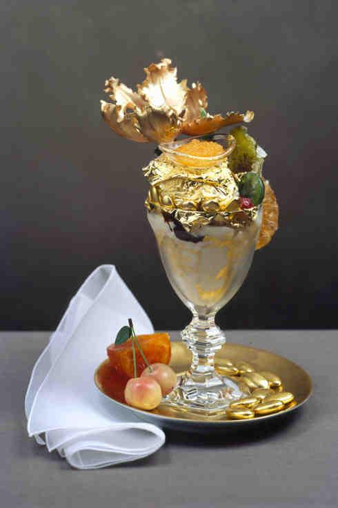 Необычные блюда и напитки из золота
