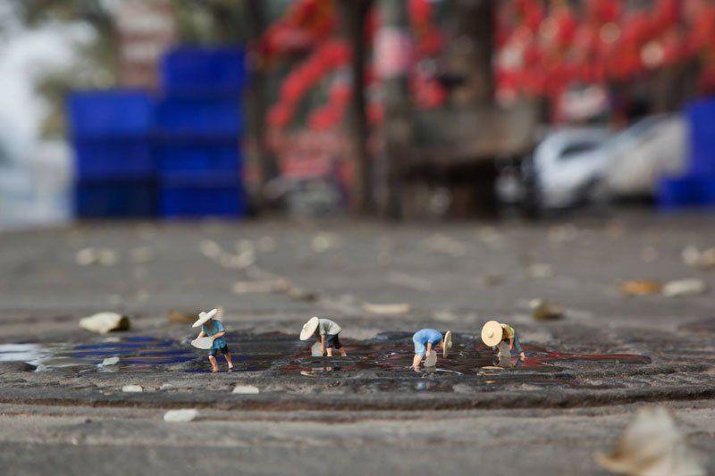 Сцены жизни маленьких людей от художника Slinkachu