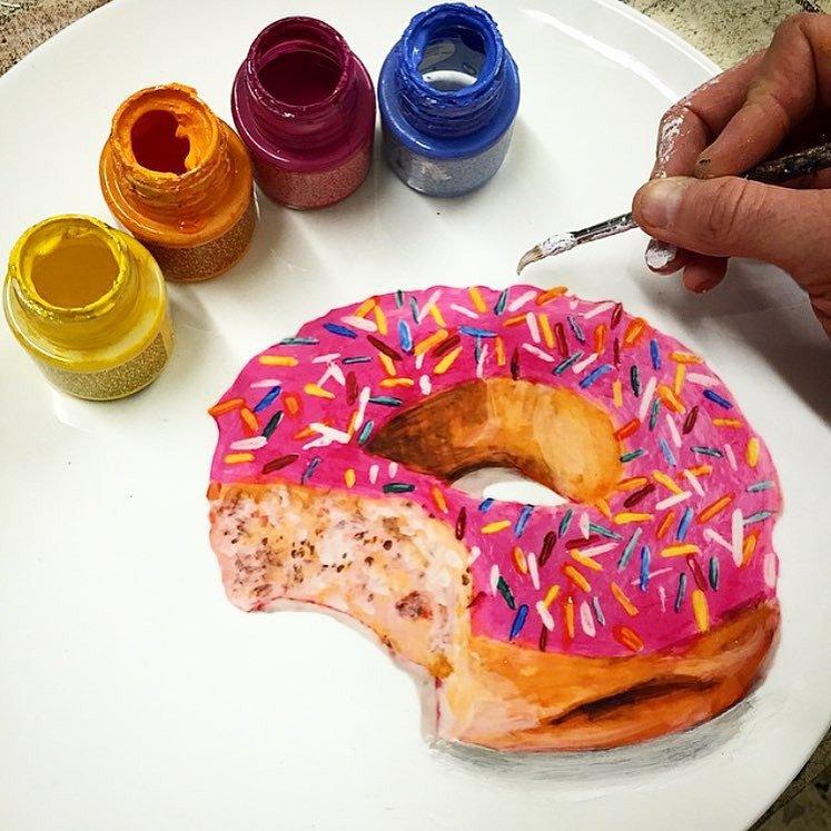 Реалистично разрисованные фарфоровые тарелки