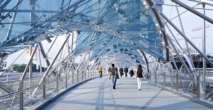5 уникальных пешеходных мостов