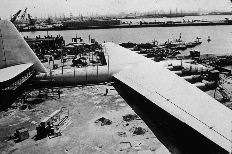 Самый большой самолет в истории - Геркулес Говарда Хьюза