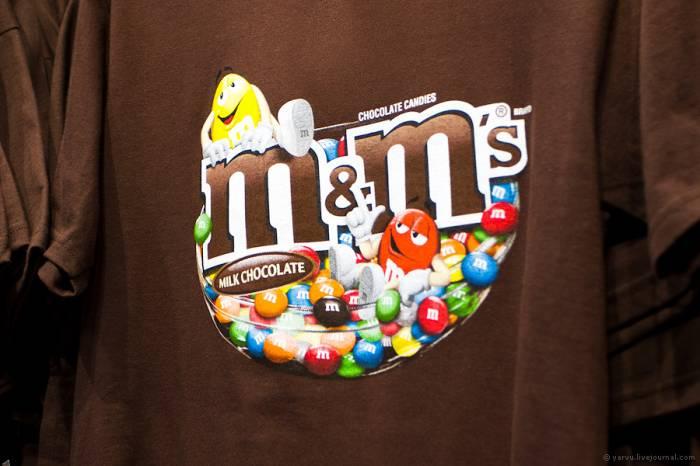 Сладкий магазин M&M's World в Лондоне