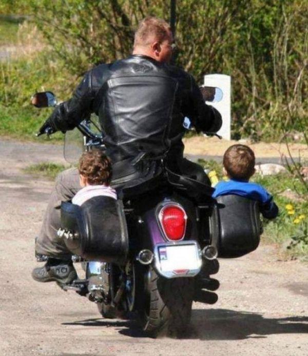 Отцы, которых оставили присматривать за детьми