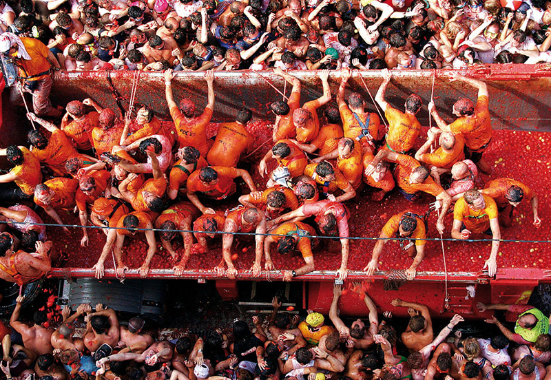 Ла Томатина - помидорная битва в Испании