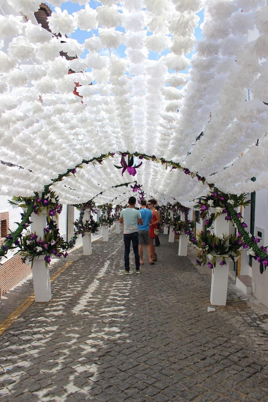 Народный фестиваль в португальском городе Кампу-Майор