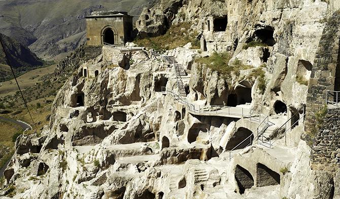 Удивительные города, которые построены в пещерах