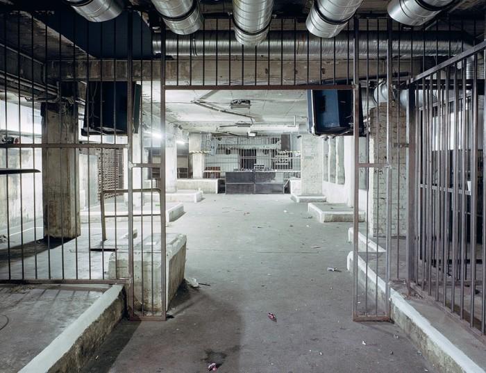 Ночные техно-клубы утром от немецких фотографов
