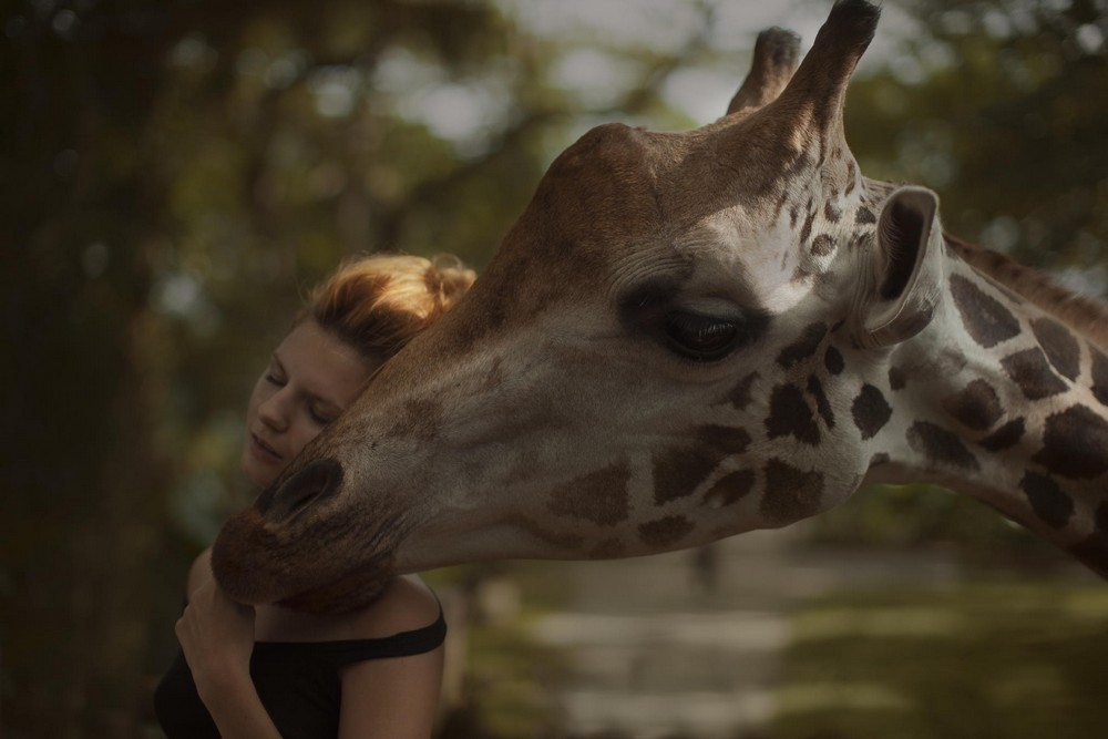 Русские девушки с дикими животными от Катерины Плотниковой