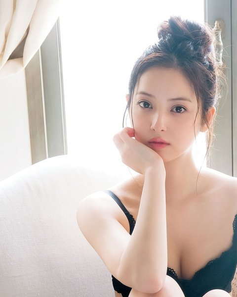 Красивые девушки из Азии