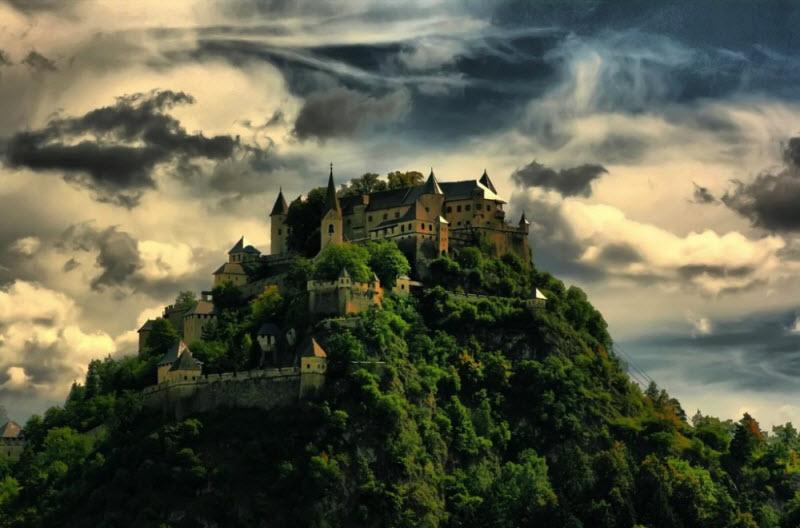 20 крутейших замков со всего мира