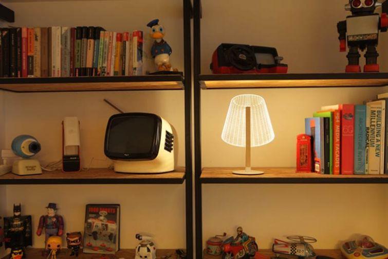 Оригинальные плоские светильники, которые выглядят как обычные