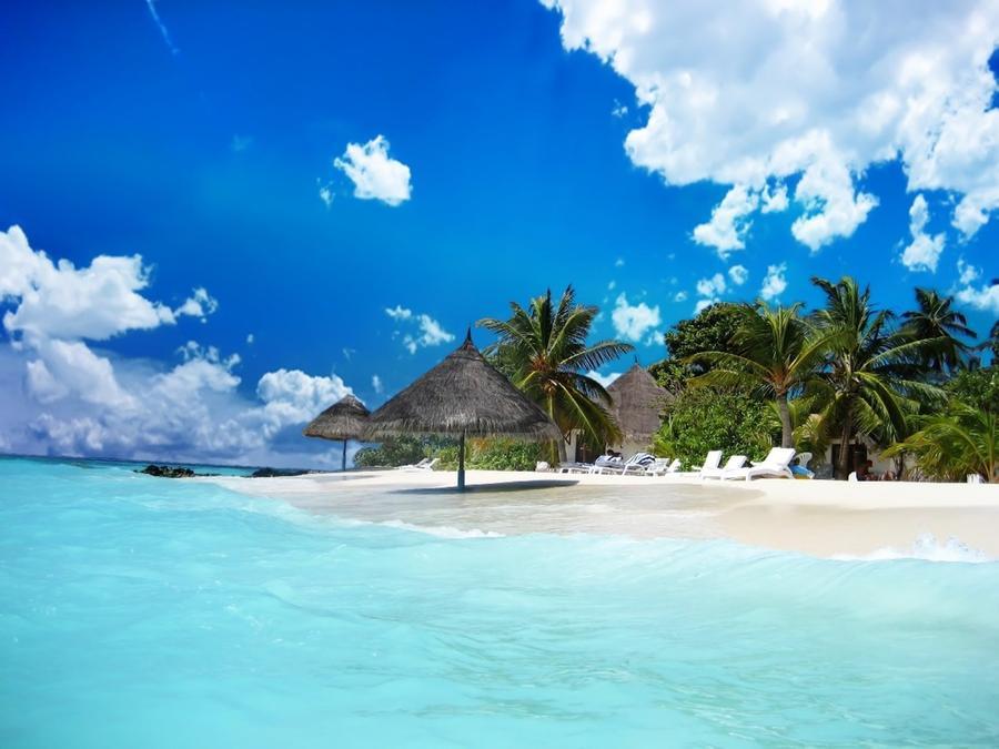 Прекрасные пляжи с белым песком