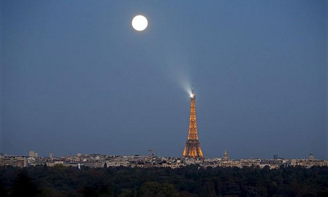 Кровавая Луна на фотографиях из разных уголков земли