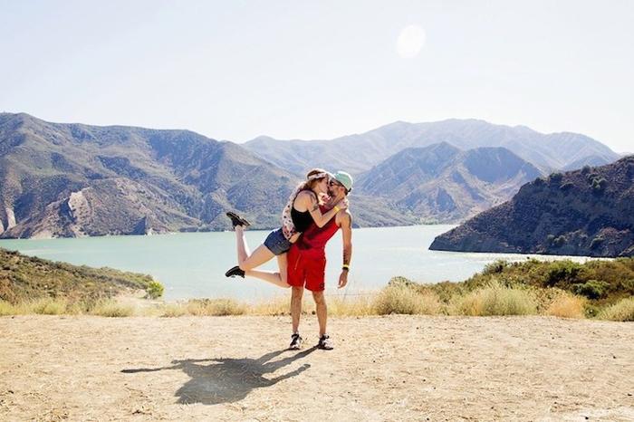 Бесконечные поцелуи и путешествия от американской пары