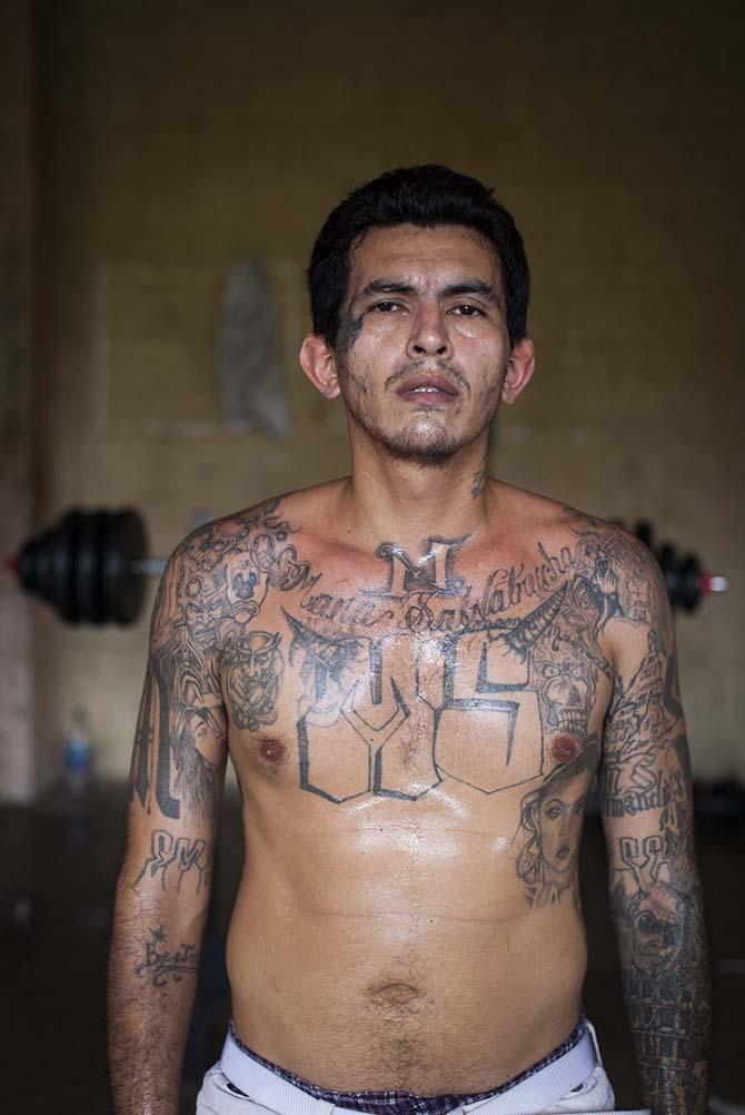 Портреты членов одной из самых жестоких банд Америки