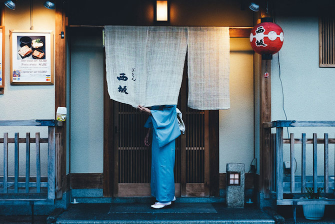 Уличные фотографии Японии от Такаши Ясуи