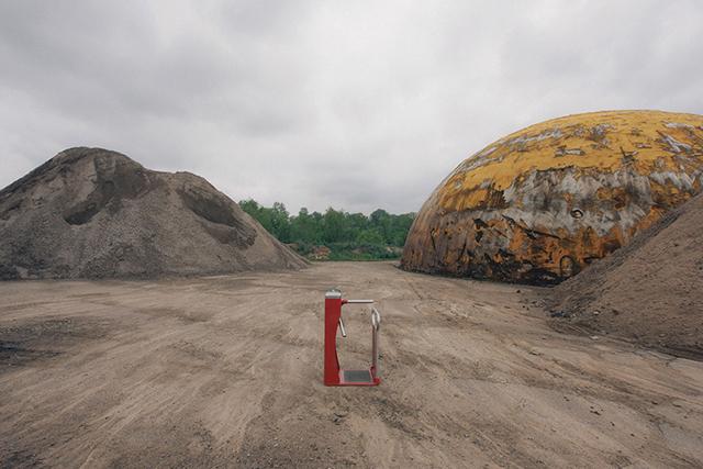Работы Брока Дэвиса, созданные для парка Dismaland