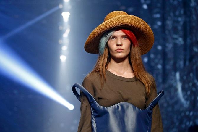 Подборка экстравагантной одежды с Недели моды в Париже 2015