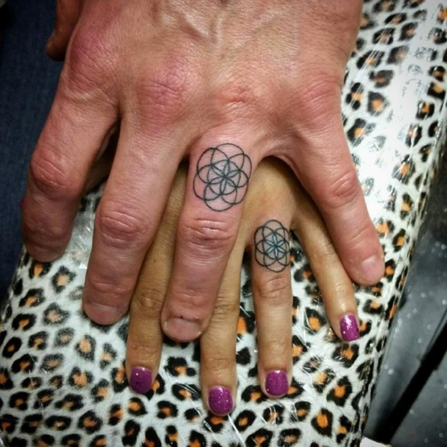 Парные татуировки вместо обручальных колец