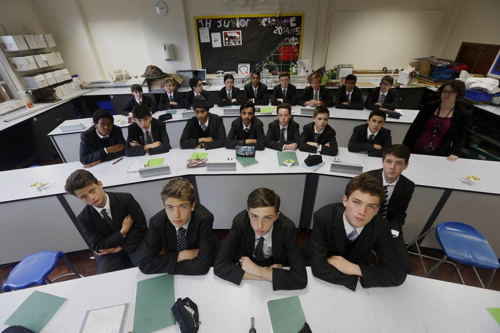 Фотографий школьных классов и их учеников из разных стран мира