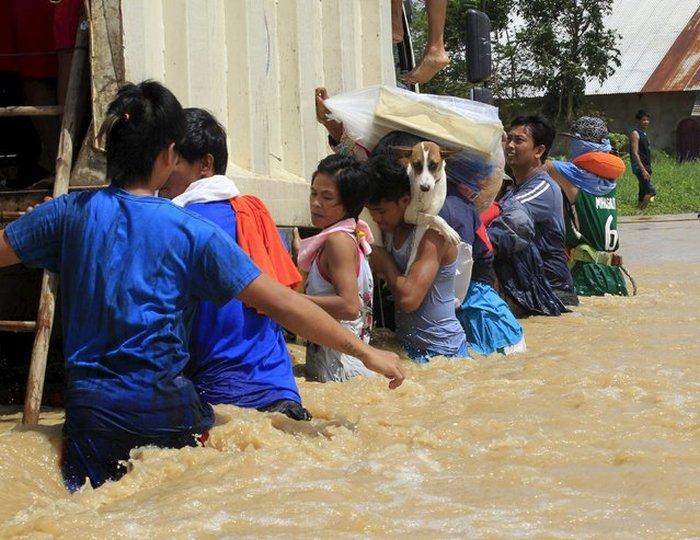 Тайфун Коппу обрушился на Филиппины
