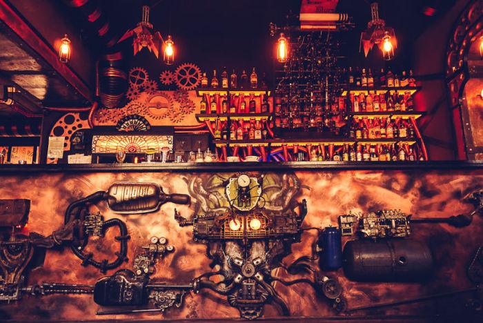 Cтимпанк-бар открылся в Румынии