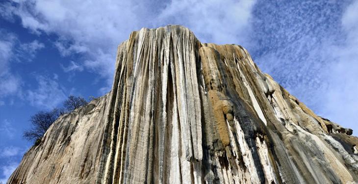 7 удивительных и необычных водопадов мира