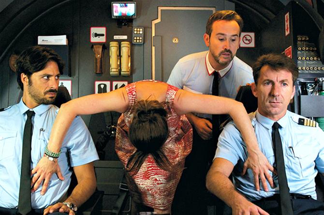 10 интим-скандалов на борту самолета