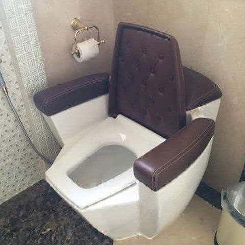 Странные и необычные туалеты со всего мира