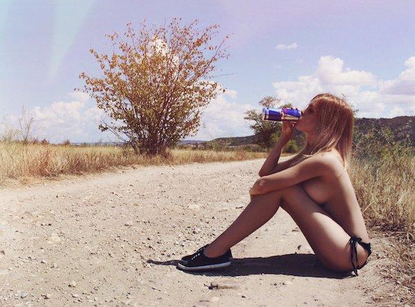 Красивые девушки без лифчиков
