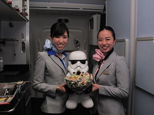 Самолеты для фанатов Звездных войн в Японии
